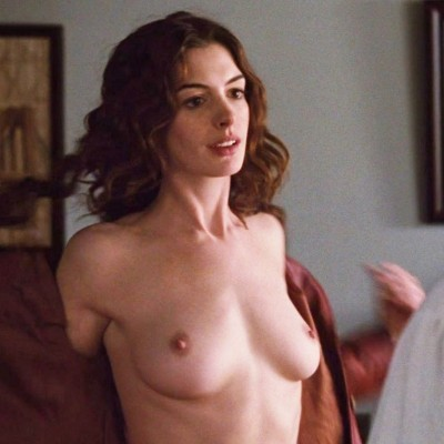 Anne Hathaway nua em fotos caiu na net