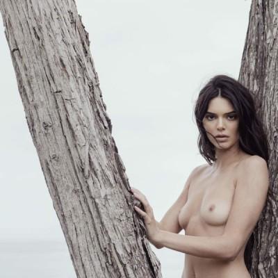 Kylie Jenner nua em fotos exclusivas