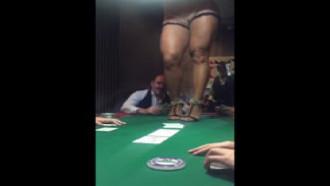 Como Concentrar no Poker? TOP Gostosa :)