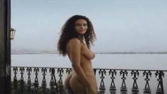 Debora Nascimento Pelada em video