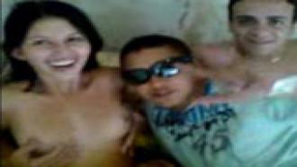 Jessica na Putaria Caiu na Net Nesse Vídeo de Flagra Amador Dando aos Boys - http://www.videosdeflagrasamadores.com