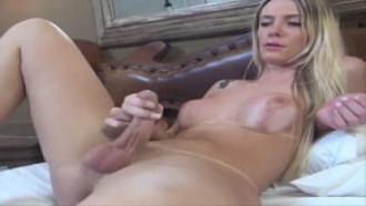 Travesti Loira Gostosa Em Porno Nacional