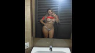 Loira Garota De Programa TOP Mostrando Seu Corpo