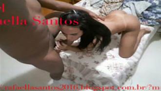 Video de sexo Transex Rafaella de Fortaleza - Ceará fodendo gostoso. Magrinha e cheia de tesão essa travesti adora fazer programas e filmar a foda.