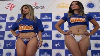 Gostosas Desfilando De Lingerie Para O Cruzeiro