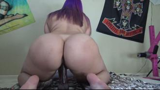 Video porno Gordinha bunduda sentando no consolo. Maravilhosa essa safada cavala com meio metro de bunda se masturbando para seus fãs da internet que adoram bater uma pra essa safada.