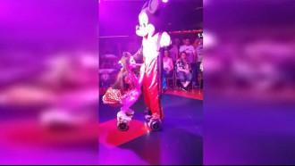 Mickey Mouse e Minnie em versão da putaria