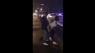 Video pornô Flagra de sexo na Rússia 2018. Esse casal muito alegre em ver sua seleção ganhar resolveu transar ao ar livre e foram flagrados nesse incrível video amador.