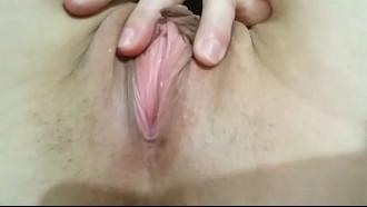 Esfregando a bucetinha