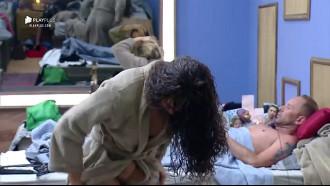 Fernanda Lacerda (Mendigata) Pagando Buceta em programa de TV ao trocar de roupa acabou mostrando demais desse corpo perfeito toda gostosa.