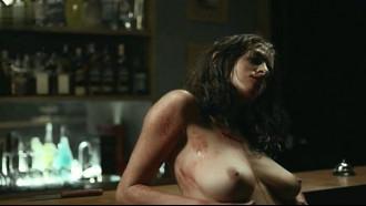 Luciana Paes nua em cena de sexo do filme O Animal Cordial. Essa atriz tem lindos seios durinhos e naturais e ficou pelada exibindo suas curvas em cena quente de sexo nacional.