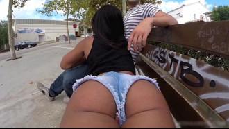Ria Rodrigez gosta de putaria em locais públicos