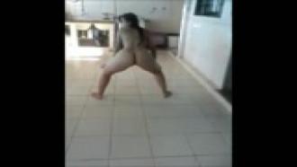Novinha de Brasilia pelada na varanda de casa caiu na net