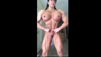 Greluda musculosa em video nua