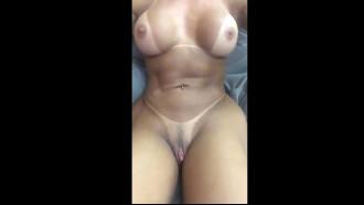 Video da morena Gostosa do grelo grande se filmando nua sem roupa e com muita sensualidade vai te deixar louco de tesão com um corpo perfeito e toda saradinha.