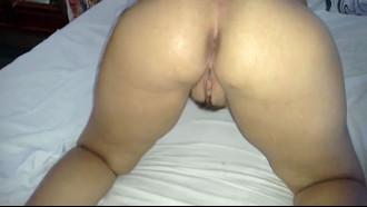 Video porno Gostosa no motel transando com marido safada que resolveu filmar o sexo amador com a sua belíssima esposa nua empinando a bunda grande e linda.