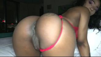 Porno amador da Sarah Banks com namorado. Bem safada essa negra gostosa transando com namorado que deu um pau pra chupar e comeu a buceta.