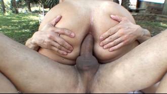 Video porno Gabriela Oliveira gordinha bunduda fez anal. Tesão demais essa branquinha ninfeta em filme de sexo ainda fez um boquete bem gulosa.