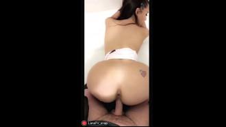 Video da Lana Rhoades chupou pau, deu buceta e ficou toda gozada com a bucet rosinha pingando leitinho quente do safado que filmou tudo pelo celular.