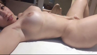 Mirella Mansur nua no motel esperando cliente