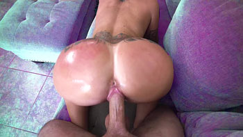 Rabuda trepando com chefe do pornô